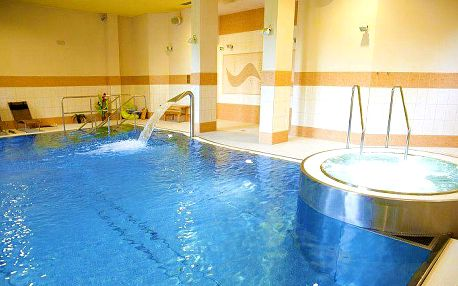 Až 6 dní pro 2 s neomezeným wellness a polopenzí v Beskydech v hotelu Pod Kyčmolem****