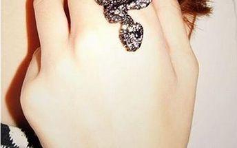 Luxusní prstýnek s motivem hada