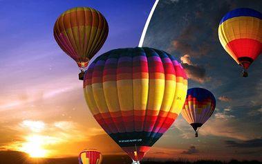 Hodinový let balonem s přípitkem a zvýhodněné ubytování! Startuje se z různých lokalit!!