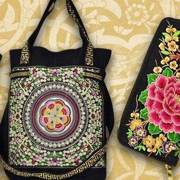 Vyšívané látkové kabelky a peněženky s okouzlujícími motivy