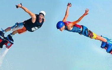 Adrenalinová vodní jízda na Flyboardu v centru Prahy