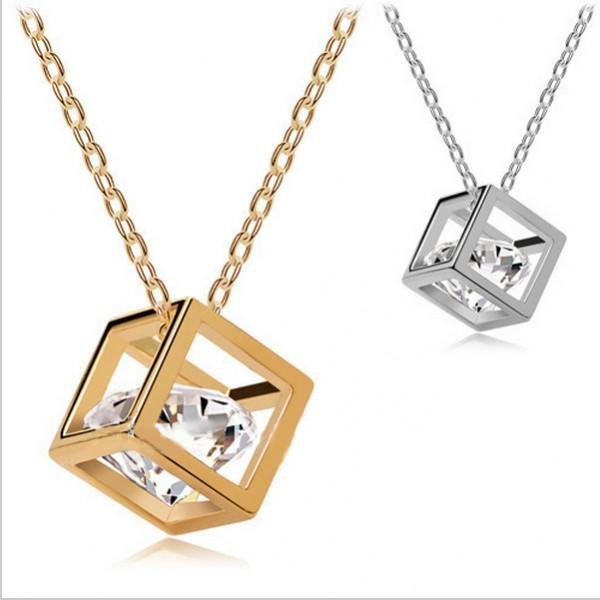 Luxusní náhrdelník krychlička s krytalem Swarovski Elements!