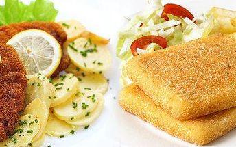 Smažený řízek nebo sýr s přílohou v restauraci Hollywood