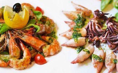 Bohaté masové nebo rybí tapas menu pro dva
