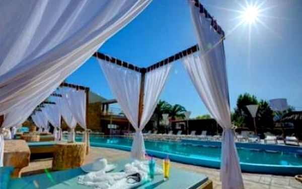 Řecko, oblast Korfu, doprava letecky, snídaně, ubytování v 4* hotelu na 6 dní