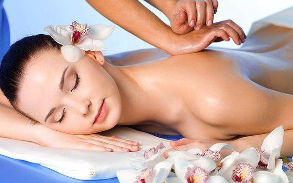 30minutová čínská tlaková masáž zad a šíje v kosmetickém studiu Sen v Praze