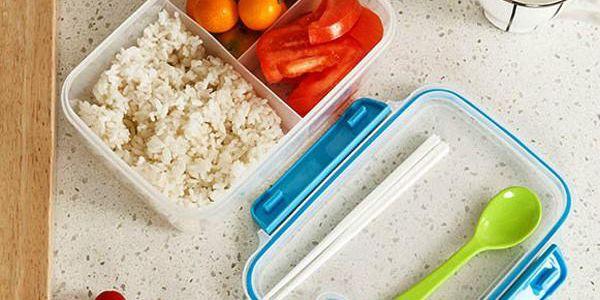 Plastová krabička na obědy - různé barvy