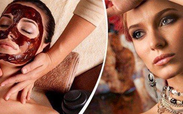 Profesionální ošetření pro váš obličej s masáží očního okolí a čokoládovou maskou