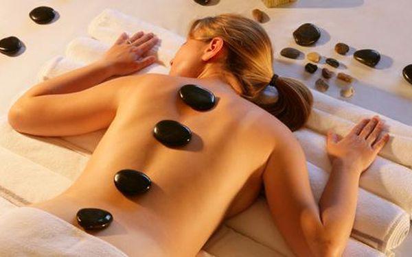 60-minutová relaxace s lávovými kameny