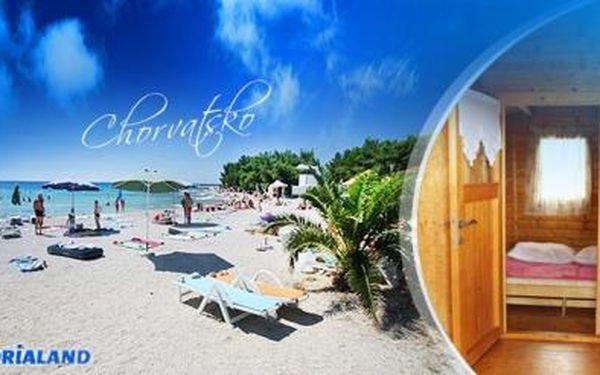 Chorvatsko, POVLJANA! 8 dní s možností PLNÉ PENZE pro 1 os. v bungalovech** 150 m od pláže již od 590 Kč!
