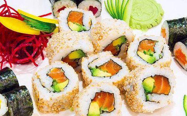 58 kousků sushi v menu pro dva v japonské restauraci Sasori