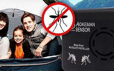 Přenosný odpuzovač komárů