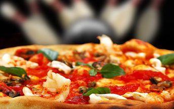 Jumbo pizza a hodina bowlingu až pro 4 osoby nedaleko Frýdku-Místku