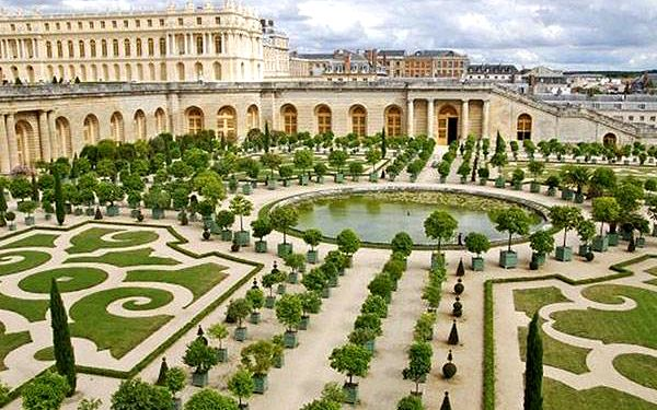 4denní zájezd do Paříže a Versailles pro 1 osobu2