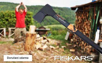 Štípací sekera Fiskars – doručení zdarma