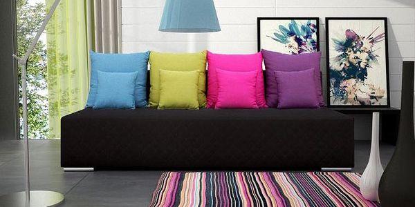 Moderní pohovka Rufina s různobarevnými polštářky