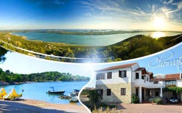CHORVATSKO - Dalmácie, Drage! Ubytování na 8 dní pro 1 osobu v apartmánu či studiu jen 10 minut od PLÁŽE!