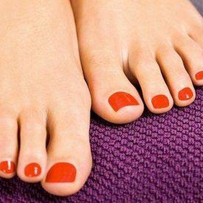 Profesionální pedikúra pro zdravé a lehké nohy
