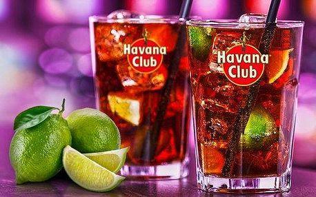 Osvěžující drinky Cuba Libre pro jednoho, dva i partu