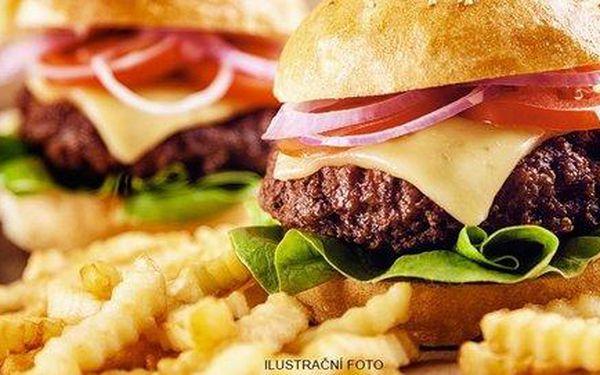 Dva hovězí burgery a hranolky v Clubu Nirvana