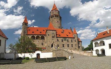 Podzim pod hradem Bouzov pro dva s polopenzí + dítě do 6 let ZDARMA