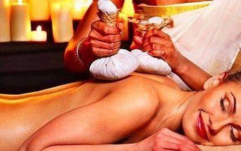 Ajurvédská masáž teplými solnými měšci s arganovým zábalem
