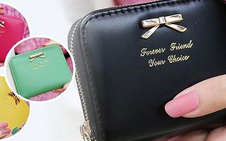 Dámská peněženka - roztomilá malá peněženka na mince a kreditní kartu. Vyrobena z umělé kůže v několika barevných provedení.