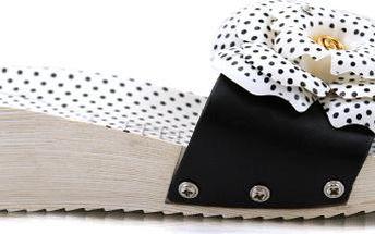 Pantofle na klínku HS-9902B 38