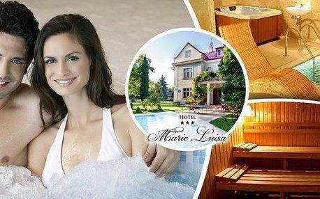Užijte si dokonalou relaxaci a příjemné chvíle ve dvou. Privátní saunu a vířivku v hotelu Marie-Luisa budete mít jen pro sebe na celé 2 hodiny! Odpočiňte si a načerpejte novou energii v krásném prostředí!