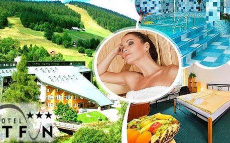All inclusive v Hotelu Fit Fun v Harrachově pro 1 osobu na 4 nebo 5 dní. Užijte si listopadovou wellness dovolenou bez starostí, včetně sauny, vstupem do bazénu, alko-nealko či wellness nápoji a k tomu na Vás čeká spoustu dalších příjemných slev! Užijte s