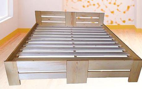 Masivní postel ze smrkového dřeva s roštem, česká výroba