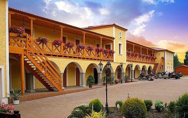 Až 6denní romantický pobyt pro 2 osoby s polopenzí v Resortu Stein u Chebu