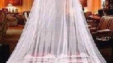 Závěsná síť nad postel proti hmyzu