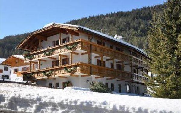 Itálie, oblast Val di Fassa e Carezza, doprava vlastní, snídaně, ubytování v 3* hotelu na 8 dní