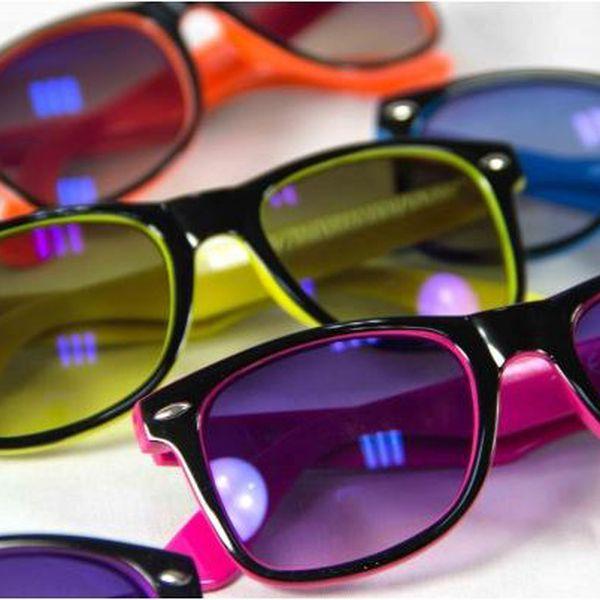 Sluneční brýle Neons - nebojte se barev!