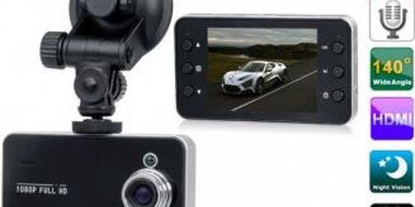Full HD kamera do auta s nočním viděním a G-senzorem pro nepřetržité nahrávání.