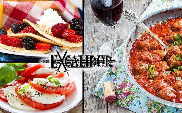 3chodové menu pro dva včetně karafy červeného vína v pohodovém baru Excalibur na Žižkově!