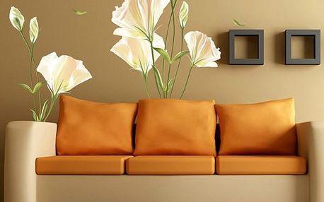 Dekorace na zeď - bílé květiny