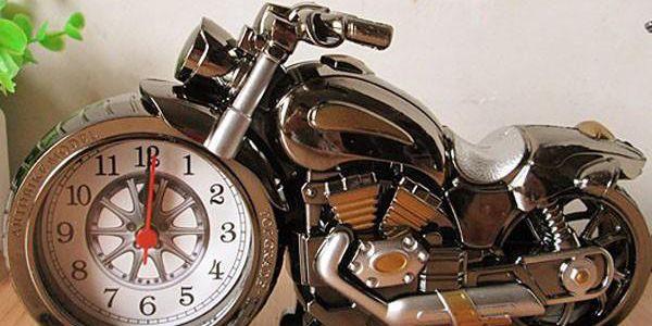 Budík ve tvaru motorky
