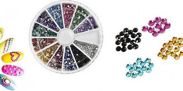 Barevné zdobící lesklé kamínky (1,5 mm) na nehty v sadě 2000 kusů v 12 barvách v praktickém otočné krabičce!