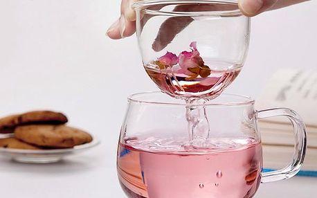 Průhledný šálek s infuzérem
