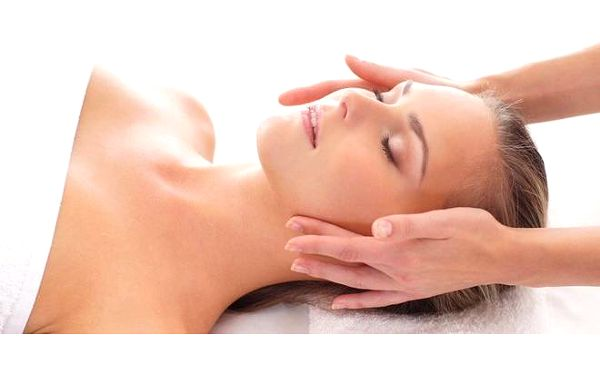 Relaxační masáž obličeje a dekoltu