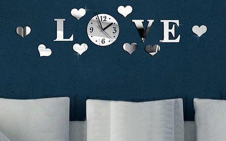 Dekorativní 3D hodiny s nápisem LOVE