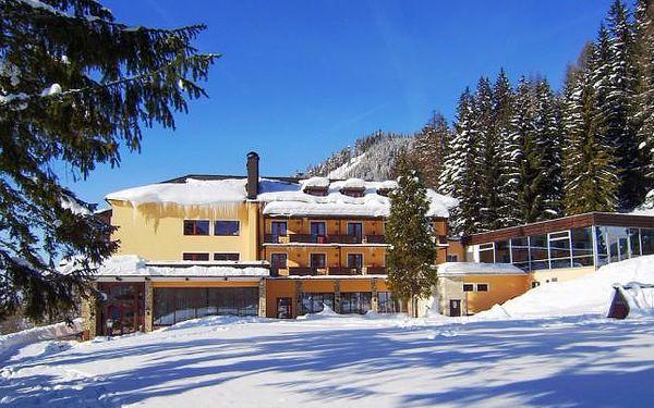 Alpenhof s polopenzí a bazénem