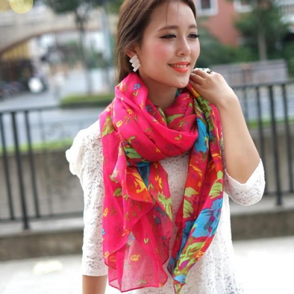 Dámský šátek Flowers - přivítejte jaro s rozkvetlým šátkem!