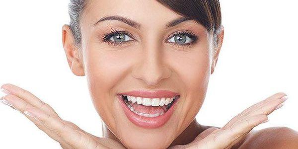 Dentální hygiena včetně instruktáže péče o zuby na klinice Dental Karlín v Praze