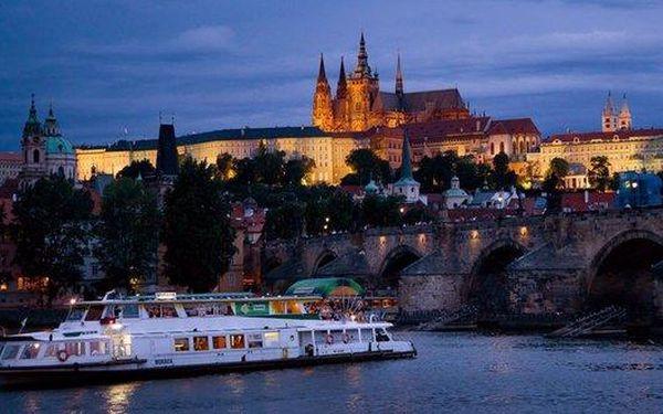 Dvouhodinová adventní plavba po Vltavě