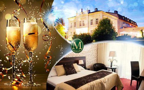 Luxusní silvestr v Hotelu Morris Nový Bor! 3 dny pro dva s polopenzí, slavnostním programem a wellness!