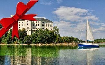Pronájem plachetnice pro 4 osoby na 1 až 3 dny v krásném prostředí Orlické přehrady. Vhodný vánoční dárek.