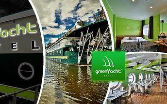 Romantický pobyt na 3 dny (2 noci) pro dvě osoby v Praze v Romantické kajutě moderního hotelu Green Yacht****! Vyberte si pobyt se snídaní či romantickým balíčkem se sklenkou sektu a tříchodovou večeří! Dopřejte si romantiku v luxusním prostředí a vynikaj
